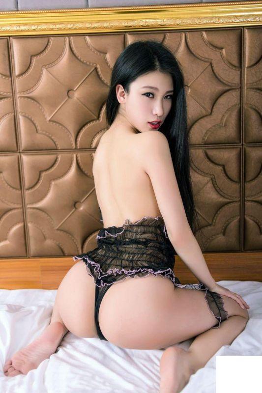 翘臀美女战姝羽泡泡遮胸诱惑十足[27P]