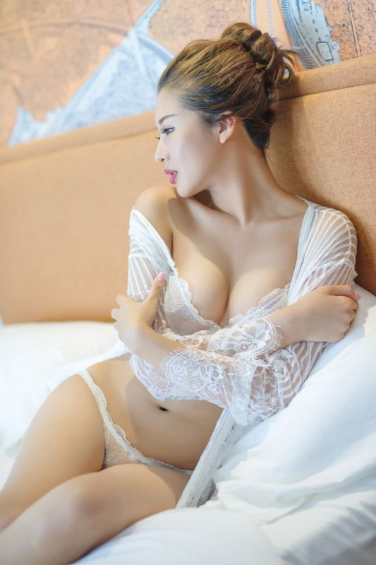 气质女神云菲菲长腿美胸极致诱惑图片大全[44P]