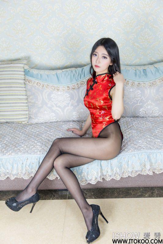 余诗婧Jenny - 高叉旗袍+黑丝美腿图片
