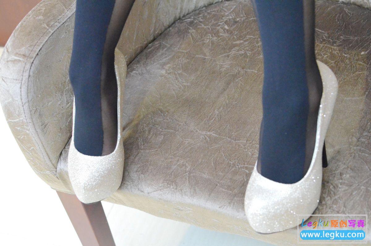 双色丝袜美腿高跟 写真套图