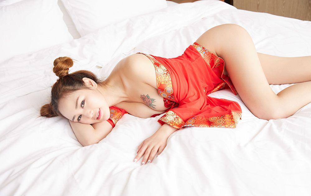 嫩模李宝宝春节写真特别篇[40P]