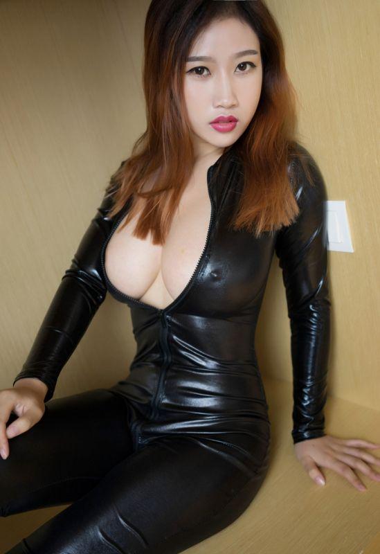 美女李七喜風韻爆乳性感私房圖片[45P]