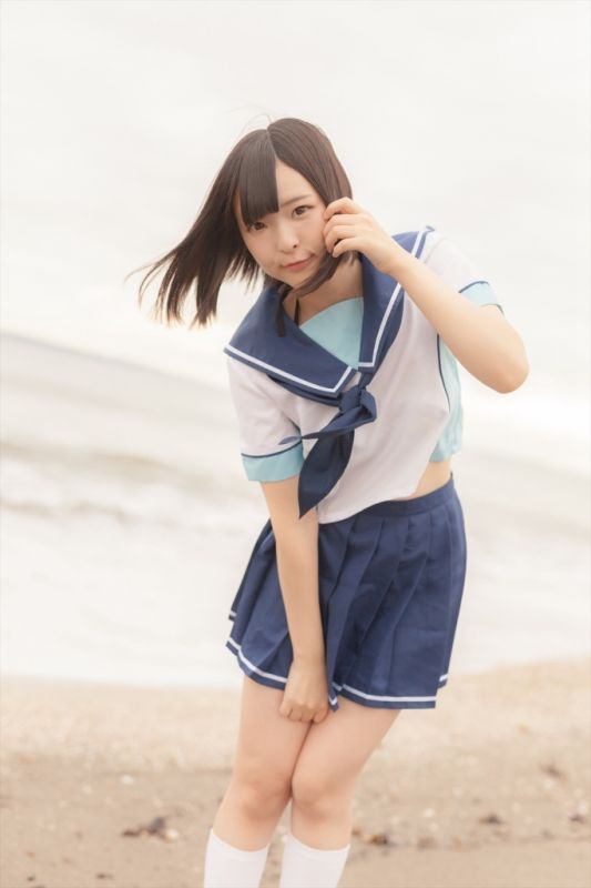 沙滩与妹子的水手服[28P]