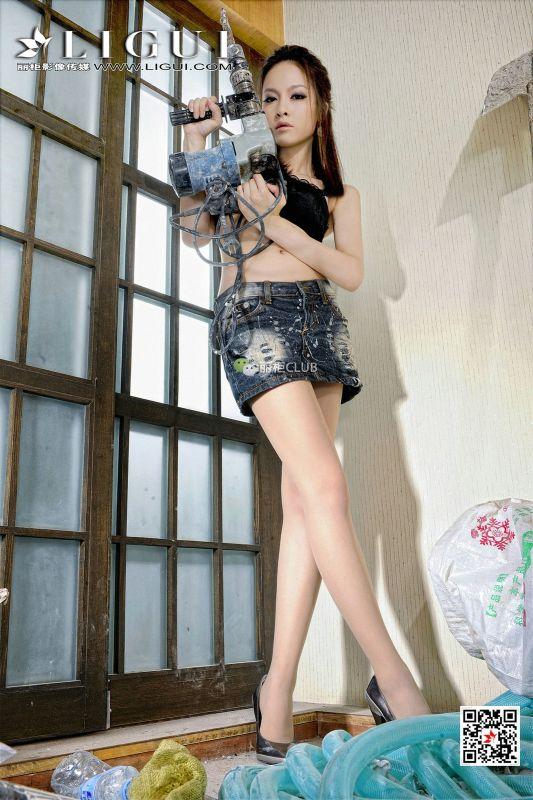 Model 雪儿 美腿玉足写真