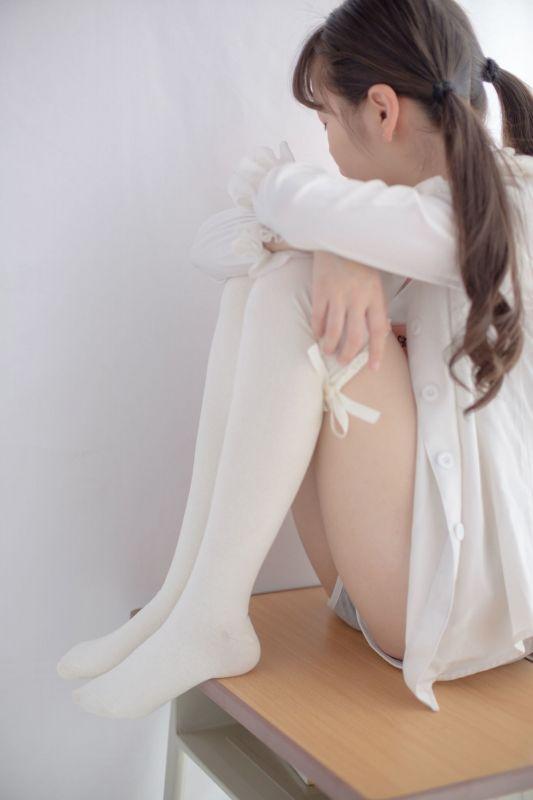 萝莉蕾丝梦 萝莉丝袜写真套图