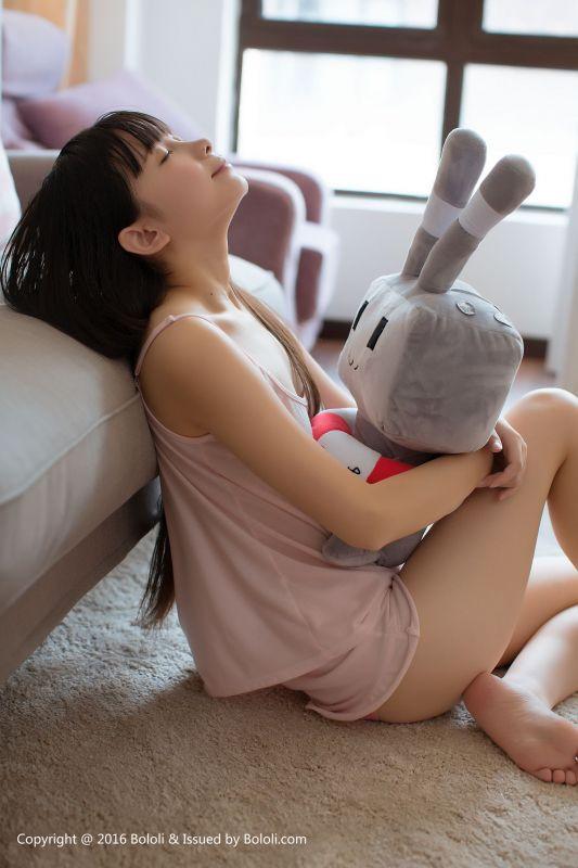 鱼丸 - 真空睡衣喝奶 写真