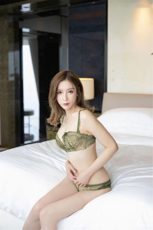 甜美模特@小琳丝袜美腿写真