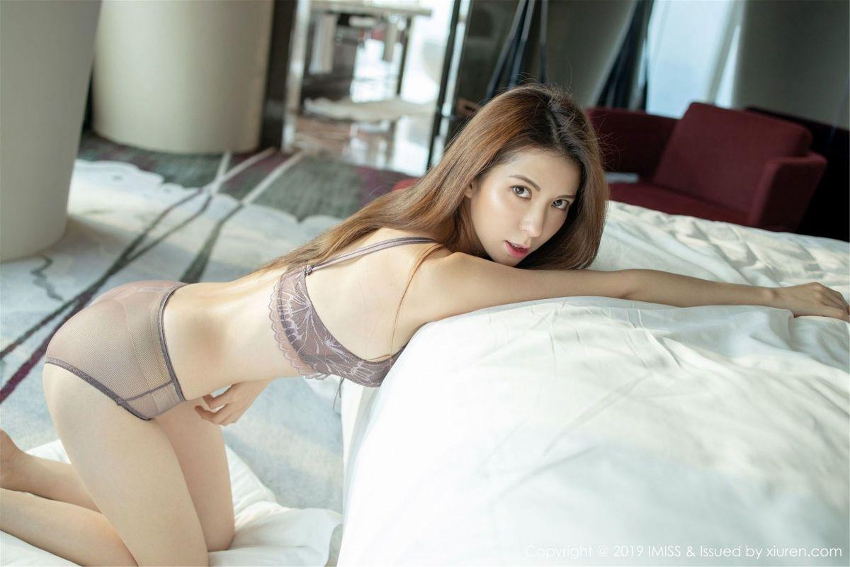 气质女神@陈良玲carry性感丝袜美腿写真