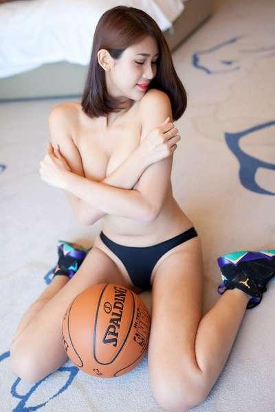 性感嫩妹梦然同学傲人双峰尽现眼前[46P]