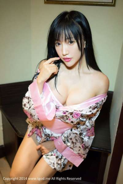 杨上萱XOXO-和服下的诱惑 蕾丝上的透视~