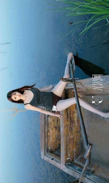 林琳 - 一半沙漠一半水 写真套图