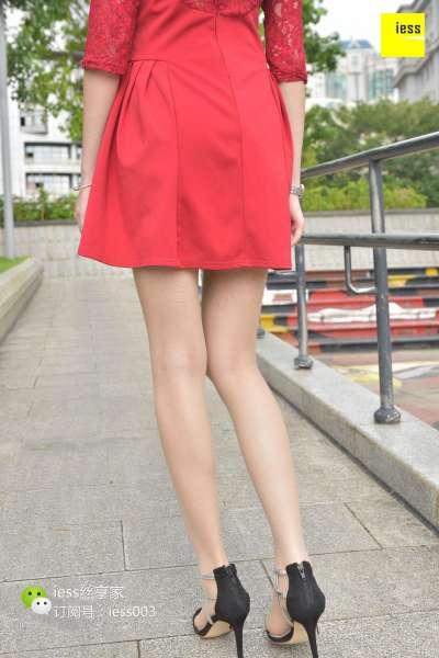 七七 《蕾丝红裙逆天大长腿》~丝足写真