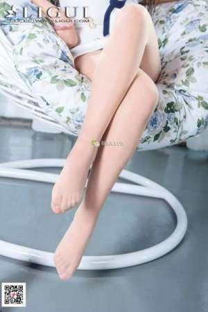 刘悦~美腿丝足写真套图