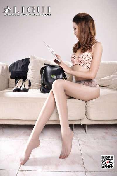 腿模可馨 丝袜美腿丝足写真