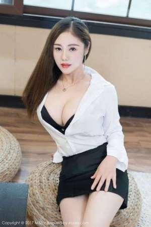 雪千寻@雪千紫 - 丰乳肥臀双生姐妹花美图