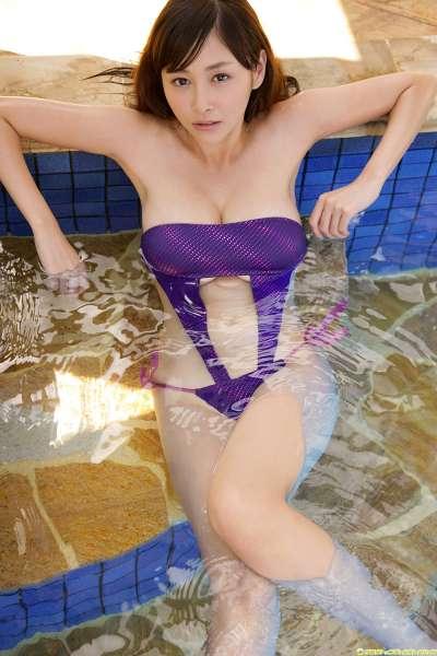 杉原杏璃-户外爆乳泳装套图