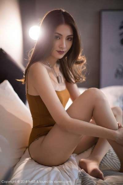 长腿美女模特@Arlie - 第二套写真套图