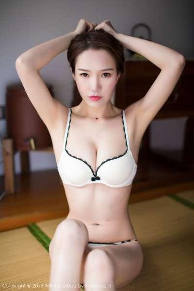 模特@katrina - 美胸蜂腰秀腿