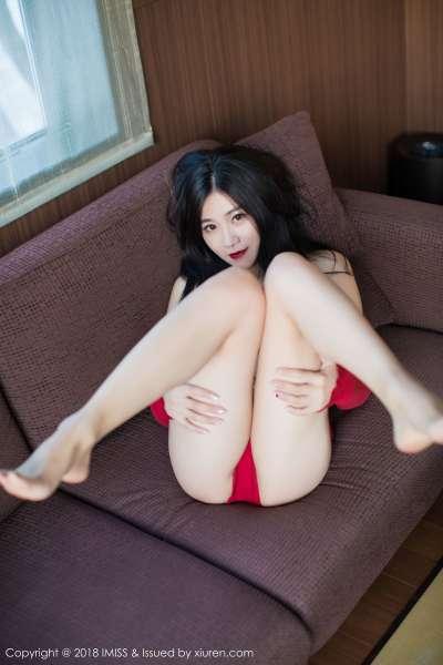 许诺Sabrina@北海道旅拍黑丝美腿