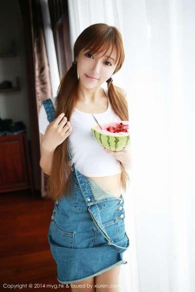 王馨瑶yanni~巨乳红衣女郎性感写真