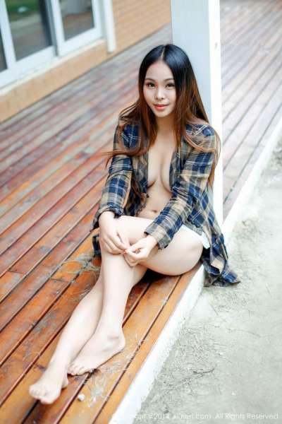 李波Bobo-清新美胸美乳写真套图