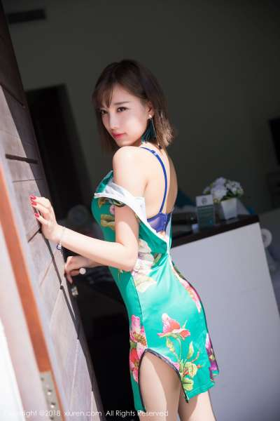 甜美女神@杨晨晨sugar甲米旅拍丝袜写真