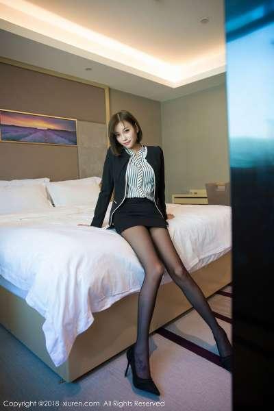 女神@杨晨晨sugar黑丝美腿写真