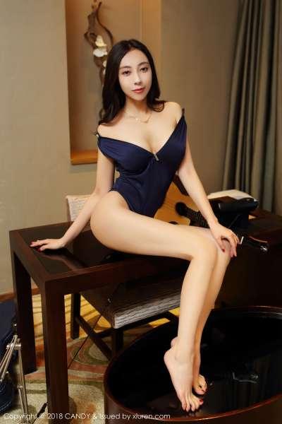 女神@果儿Victoria性感长腿私房写真