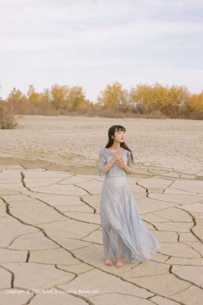 之应 - 清纯靓女沙漠之旅美图写真