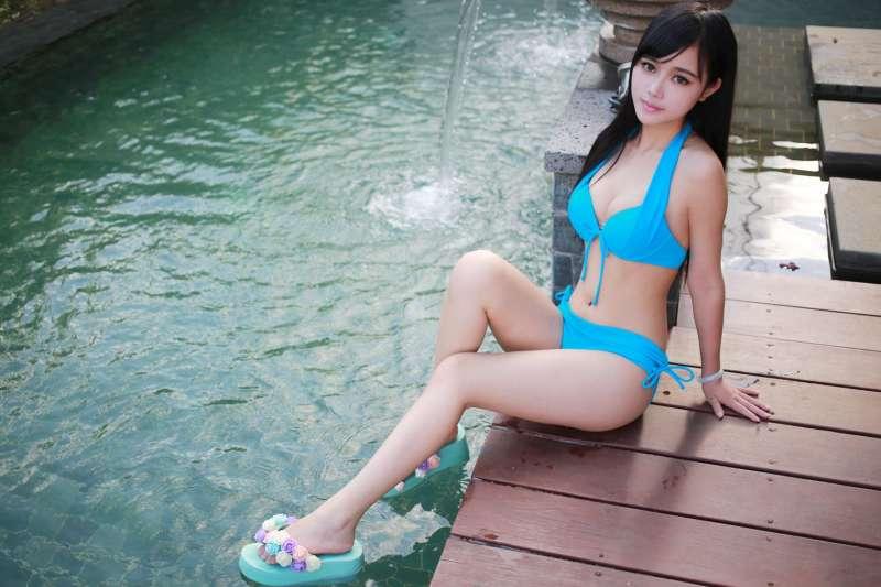 Toro羽住-翘臀美女海南三亚旅拍写真集