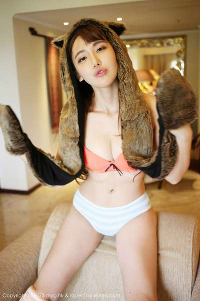 熊吖BOBO - 长腿美女龙目岛旅拍第3套写真集