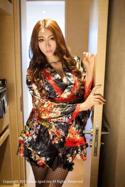 御姐小嘛私房写真-和服+黑丝的诱惑图片