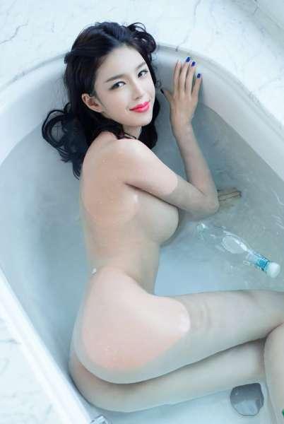 极品大奶肥臀的妩媚娇娘[20P]