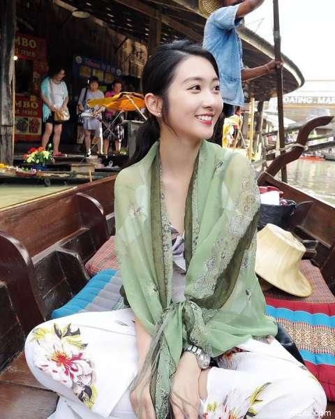 来自香港小姐姐的小姐姐@黄静蓝 甜美可爱超级养眼[33P]