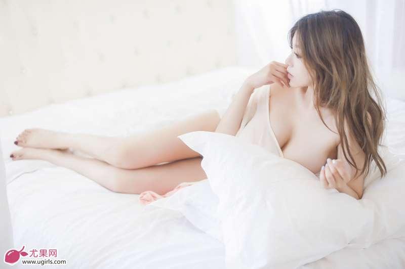 刘娅希-天使面孔,魔鬼身材套图欣赏