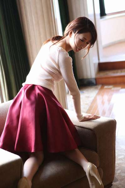 神室舞衣 Mai Kamuro 《清楚妻の仮面の下》诱惑写真集
