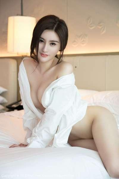 新人模特@黄寒娜首套长腿写真美图