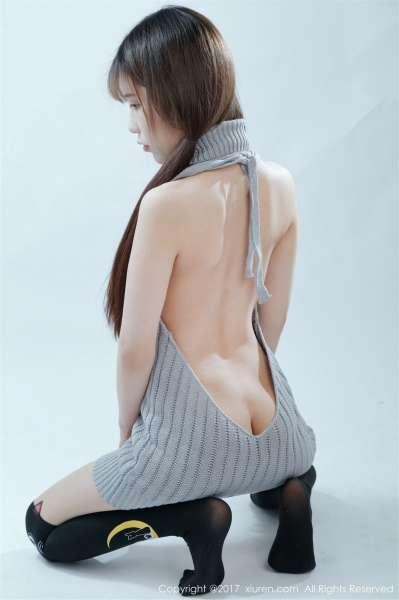 萝莉悠悠酱开背毛衣与黑色丝袜[37P]