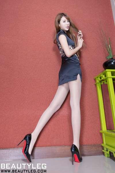 腿模Miso - 超短裙+旗袍+丝袜美腿写真图集