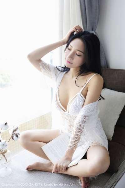 小狐狸Sica - 半透内衣+黑丝蕾丝巨乳诱惑图片