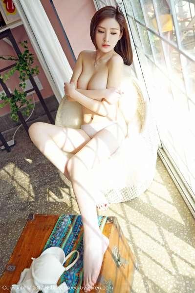 丽质女神@土肥圆矮挫穷第二套巨乳诱惑写真套图