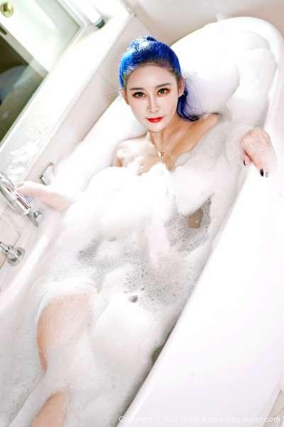 模特@喵莫儿 - 惹火泡泡浴性感写真