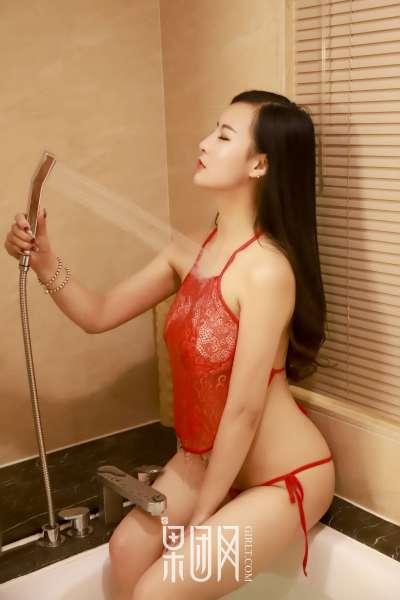今夜,娇艳红唇帮你心脏复苏!巨乳诱惑熟女写真