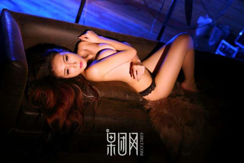 Miss琪 - 妖媚气质蕾丝诱惑 激情写真套图