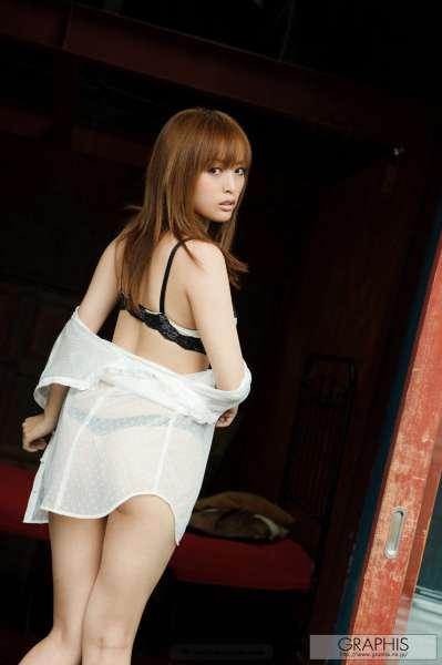 並木優-巨乳蜂腰美女写真