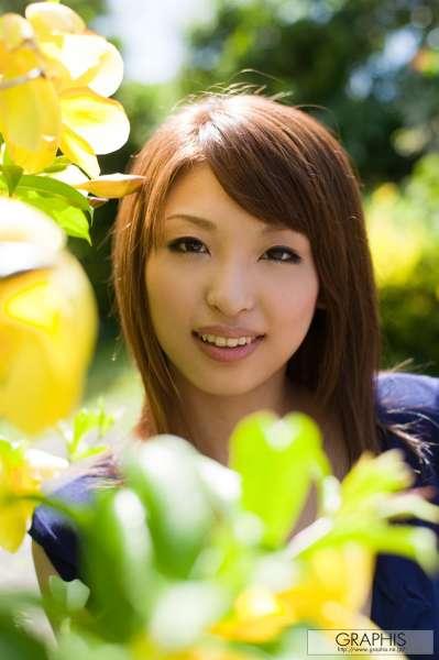 秋山祥子 -巨乳翘臀美女写真套图