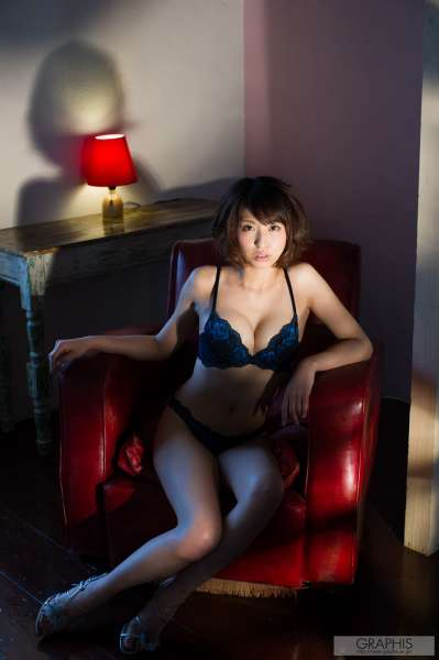 秋山祥子~美乳美女图集