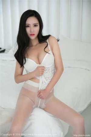 姚沐迪~白丝袜酥胸性感诱人照片