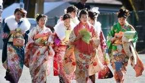 三方面分析日本女人性行为年龄