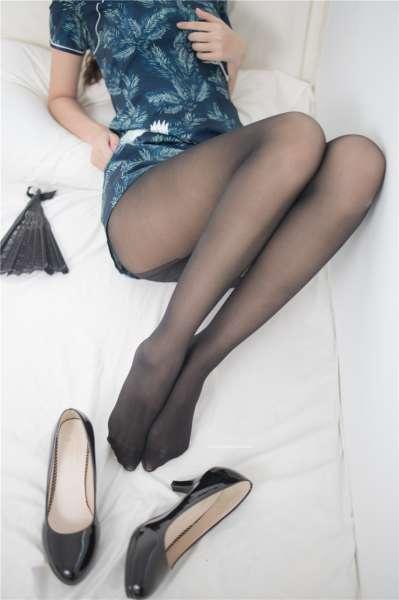 黑丝美腿小姐姐